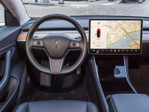 Safety regulator wants info on Tesla's FSD beta, 'safety score' evaluation