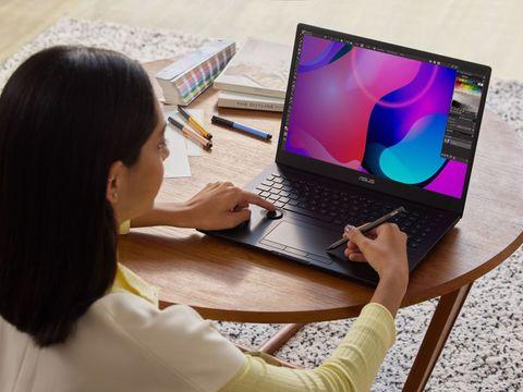 Samsung begins mass-producing 90Hz OLED laptop screens