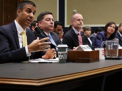 Senators ask FCC to redefine Section 230 after Trump's executive order