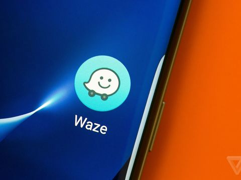 Waze adds lane guidance, one of Google Maps' best features