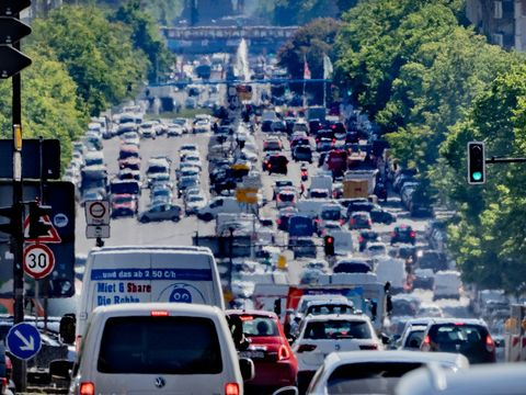 EU proposes phasing out new internal combustion cars by 2035