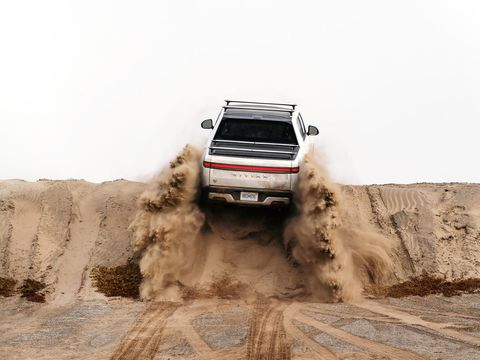 Rivian raises another $2.5 billion as it looks to build a second factory